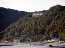 海から見た望水荘