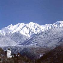 冬の北アルプスと山のホテル