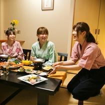■お食事風景■