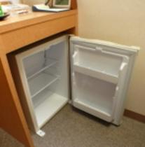 空の冷蔵庫を全室設置しています