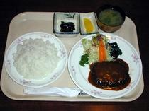 ハンバーグ定食(夕食)