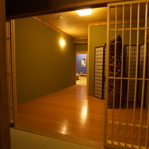 スィート「古代紫」/玄関