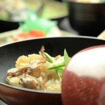 夕食-尾瀬舞茸の炊き込みご飯。