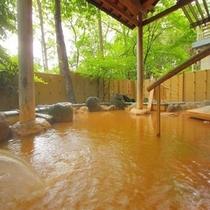 地下1階 岩風呂 露天風呂