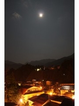 夜の渋温泉街