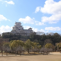 <姫路城 三十六景>シロトピア記念公園から ※提供 姫路市