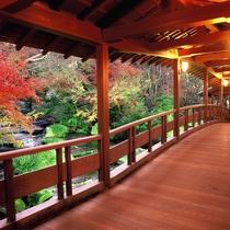 <好古園>潮音斎渡り廊下 姫路城西側にある本格日本庭園です。当ホテルより車で約10分。※提供 姫路市