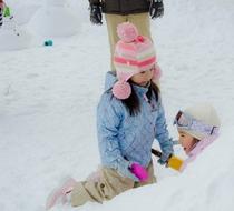 雪遊び かまくらづくり