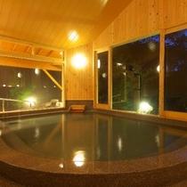 夜の大浴場(男湯)