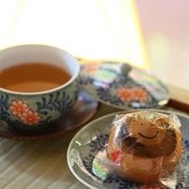■そば茶と温泉まんじゅう