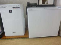 【設備】空気清浄器と冷蔵庫(ご希望の方は予約時にご連絡ください)