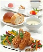 レストラン ランチ(11:30〜15:00 L/O 14:30)