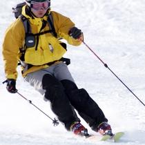 *【スキーイメージ】冬はスキーを楽しもう!