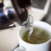 ほうじ茶を客室に置いております