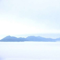 雲海と十勝岳連峰