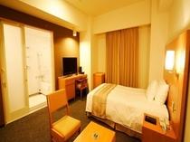 【ユニバーサルルーム】28.0平米 ベッド幅140cm