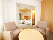 【プレミアツイン】40.6平米 ベッド幅120センチ
