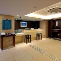 フロント・ロビー (2階)