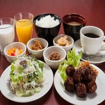 【和洋食ブッフェ】ご飯とお味噌汁、和惣菜もございます。