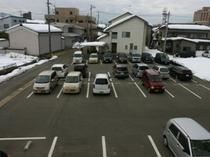 無料駐車場(無散水消雪機能付き)