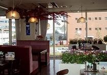 レストラン「カフェレストサントク三世」