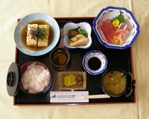 【夕食】おまかせ日替わり定食