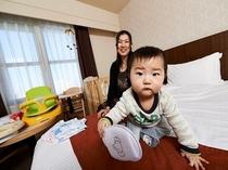 赤ちゃん用おむつゴミ箱・ベビーチェアなどご用意あり