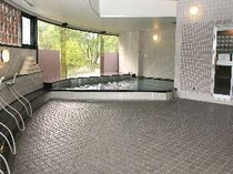 天気の良い日は富士山も望める大浴場。 朝風呂は最高!