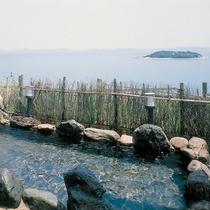 野天風呂「蘭若の湯」外風呂/昼