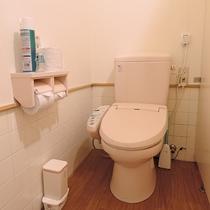 *【設備/共同トイレ】トイレは男女別に分かれているので安心♪ウォシュレット付のトイレもございます。