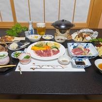 *【食事/夕食一例】ボリュームたっぷりの女将特製料理をお腹いっぱいになるまでお召し上がりください。