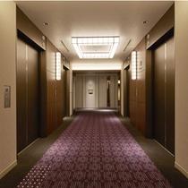 プレミアフロアのエレベーターホール