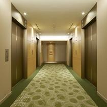 コンフォートフロアのエレベーターホール