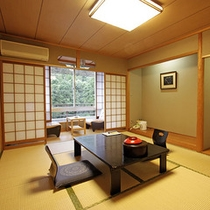 ■「本館」和室10畳(トイレ付・バス無)