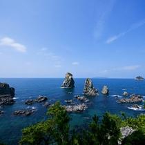 青海島観光汽船(湯本温泉から車で約15分)