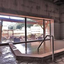 *温泉/内湯(男湯)新しい源泉を毎分40リットル補充していますので常にフレッシュな温泉を楽しめます。