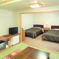 ファミリー和洋室【2~4名様収容】 和室8畳+ベッド2台の仕様です