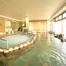 湯量毎分360L!ホテル自慢の温泉大浴場