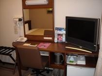 当ホテル全室にLANケーブルを完備しております。ビジネスマンのお客様も安心してご利用頂けます。