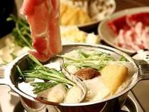 ■夕食:霜降り和牛・海鮮の薬膳火鍋