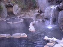 別館露天風呂(単純硫黄泉)