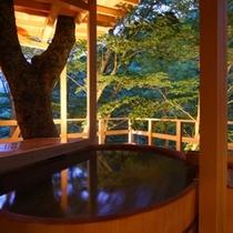 ◆天空の小鳥風呂【丸】 四季を感じながらのんびりと