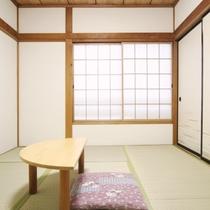 和室6畳のお部屋の様子。