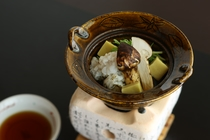 松茸懐石プラン〜早松茸と鱧の小なべ仕立て〜