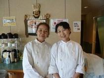 【調理スタッフ】栄養士の資格を持ったスタッフがお客様の笑顔を励みにご用意しています。