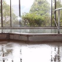 当館大浴場は、男女とも、大涌谷からの源泉を100%掛け流しにてご提供中。