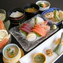 *【夕食一例】旬の味覚をお楽しみ頂けます(一例)