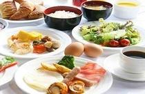 ボンサルーテカフェ朝食盛付け例