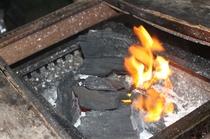 毎日炭火バーベキューです。炭火で焼くお肉は格別です。