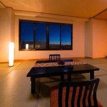 ■和室12畳■畳の香りが優しく、裸足でゆったりゴロゴロできるのんびり空間。(Wi-Fi無料)